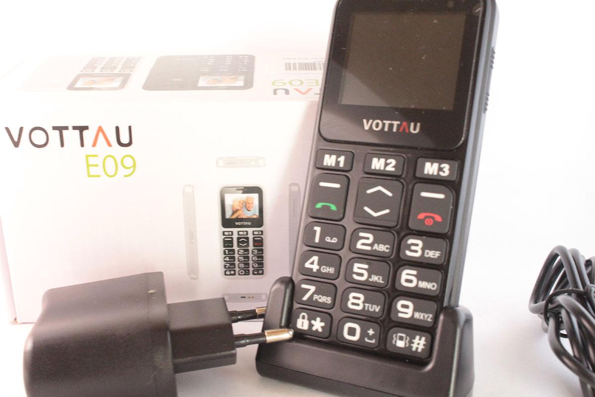 Telefono semplice per anziani tasti grandi