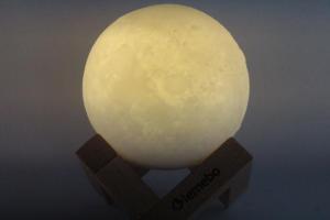 lampada-led-supporto-legno